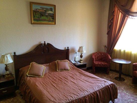 Best Eastern Hotel Metropol: Спальня