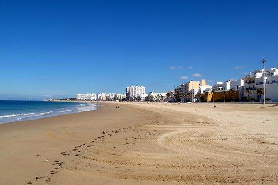 Hotel Playa de la Luz: beach