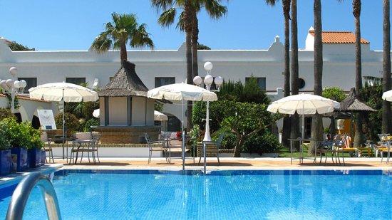 Hotel Playa de la Luz: pool
