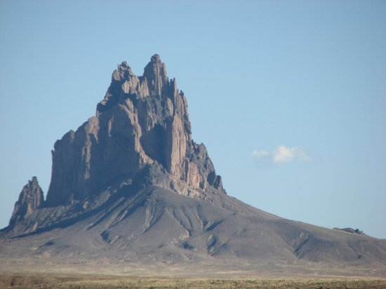 Shiprock Rock Formation: Shiprock at noon