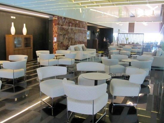 Parador de Cádiz: Parador de Cadiz/Hotel Atlantico - lounge area