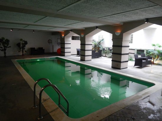 Floris Karos Hotel : Swimming pool