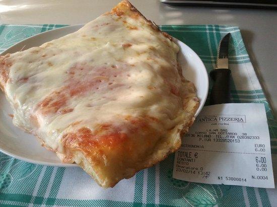 Antica Pizzeria Da Giulio: trancio margherita doppia mozzarella, abbondante