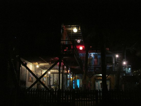 Yuma's House Belize: Yuma's at night