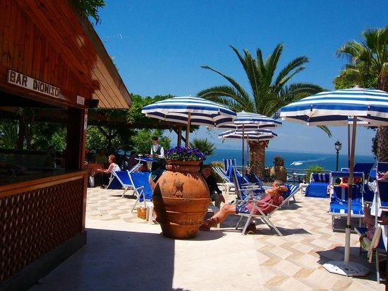 Grand Hotel Ambasciatori: Poolbereich