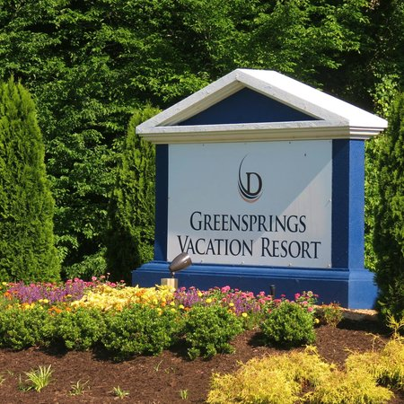 Greensprings Vacation Resort : Love the location & the spacious unit, but in need of a serious makeover.