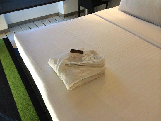 DoubleTree by Hilton Lisbon - Fontana Park: Шикарная кровать 2*2 м