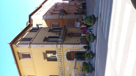 Hotel La Rosetta: Outside view of La Roseta