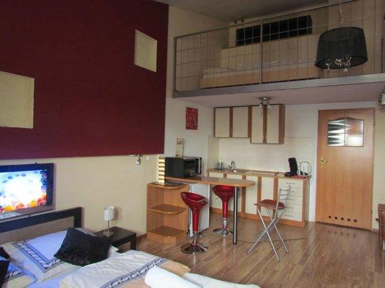 P&J Apartamenty Sw. Krzyza: soppalco e angolo cottura
