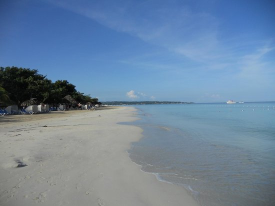 Beaches Negril Resort & Spa : Perfect beach