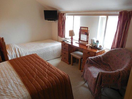 Cartref Hotel: La stanza da letto è molto luminosa