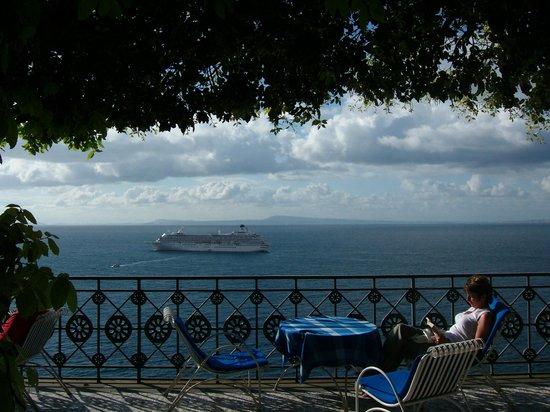 Grand Hotel Ambasciatori: Blick vom Garten