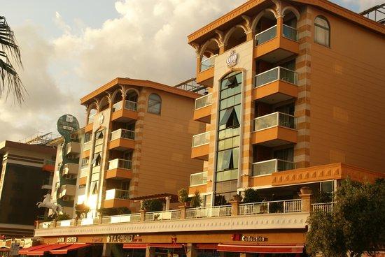 Tac Premier Hotel and Spa: Facade de l'hôtel