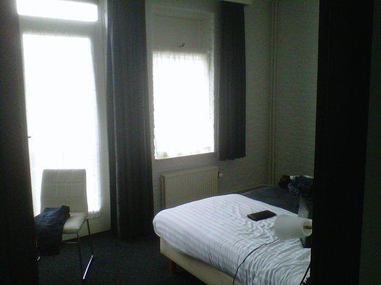 Hotel Cafe Restaurant de Posthoorn: Camera nella struttura adiacente all'hotel principale.
