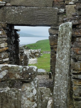 Castlehill Orkney: The Broch of Gurness just down the Road