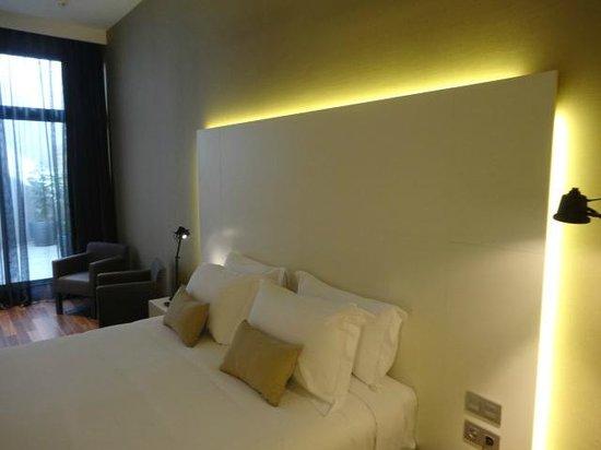 Hotel Advance : habitacion amplia