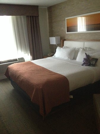 Holiday Inn Saratoga Springs: Master bed