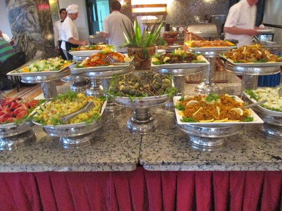 Menzeh Zalagh Hotel: We were on a tour and this is the buffet of salads and this is what you should eat.