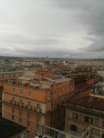 Bettoja Hotel Mediterraneo: View from the roof garden of Hotel Mediterraneo in Rome