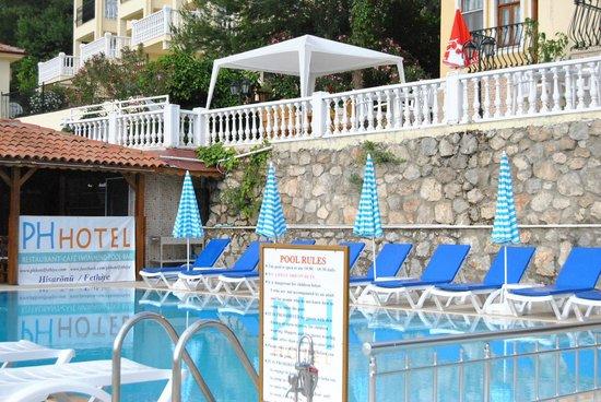 PH Hotel: Güneş, havuz ve relax
