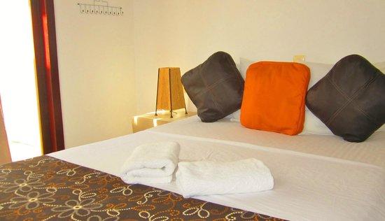 Hotel Latino: Deluxe room upstairs