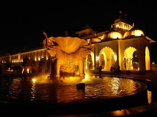 Radisson Blu Udaipur Palace Resort & Spa : le palais des mille et une nuits....