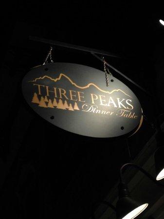 Three Peaks Dinner Table: Three Peaks Sign