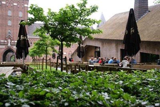 Beer Brewery de Koningshoeven: Het gezellige proeflokaal