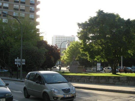 HF Ipanema Porto: Вид на отель (на дальнем плане)