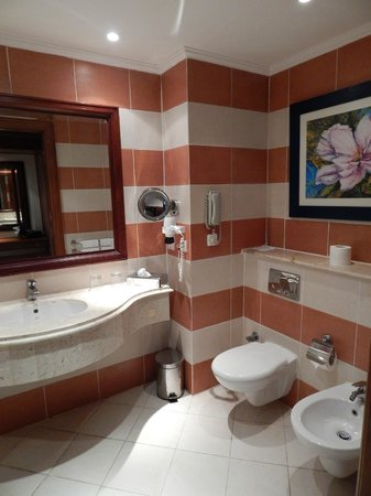 Resta Grand Resort : Bathroom