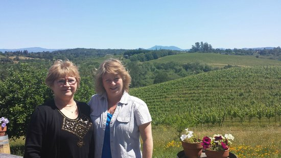 Wine Cube Tours: Iron Horse Vineyards