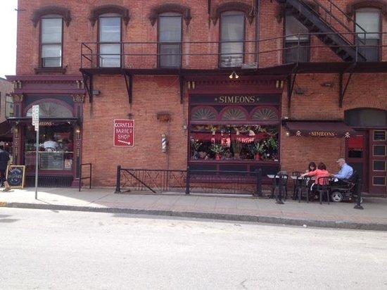 Simeon's On the Commons: Outside restaurant