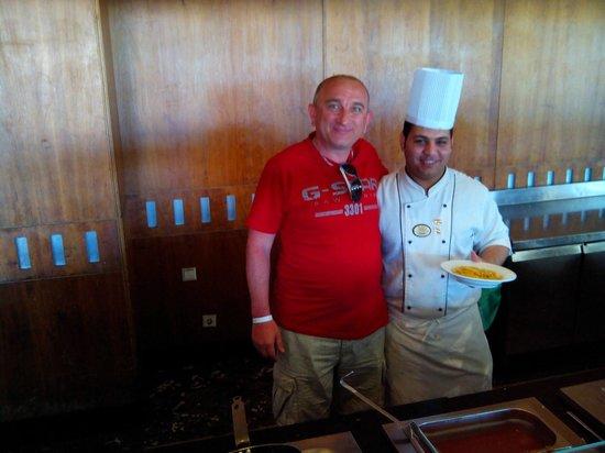 "Resta Grand Resort : The staff in the ""Space"" restaurant"