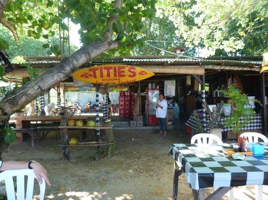 Titie's Warung: Notre petit coin