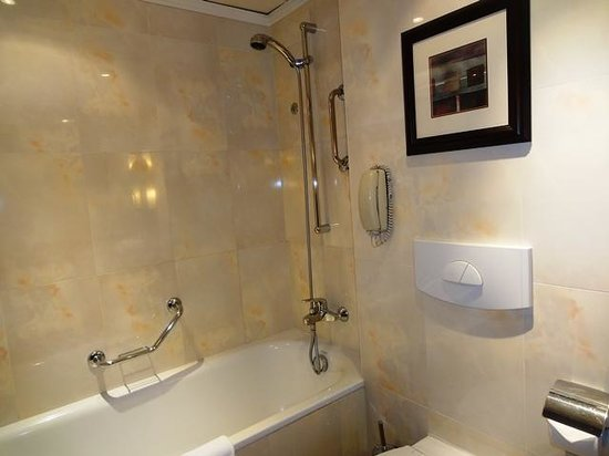 Radisson Blu Palais Hotel, Vienna: Bathroom