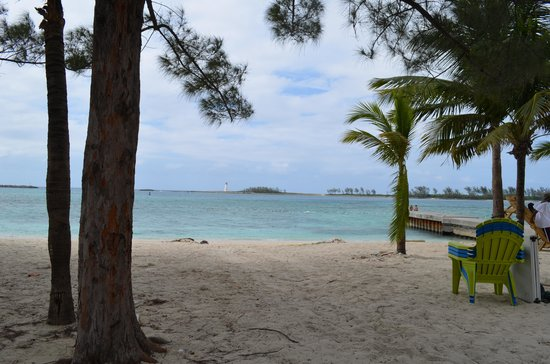Sunrise Beach Clubs and Villas: Beach view in Nassau.
