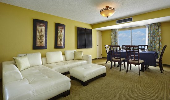 Embassy Suites by Hilton Fort Lauderdale 17th Street: Sitting Area