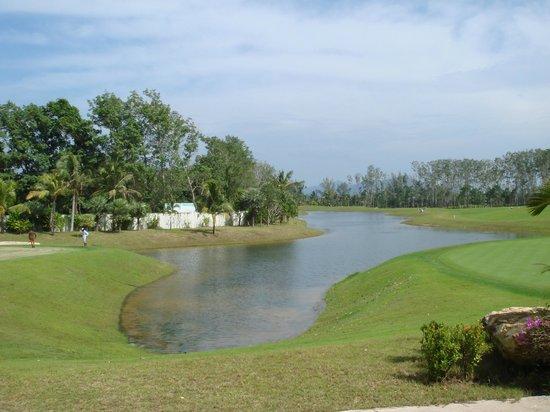 Mission Hills Phuket Golf Club Resort & Spa: Loch 18