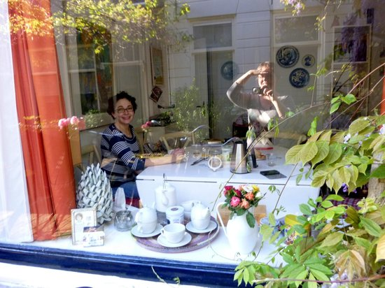 Wherels: Вид на завтрак с улицы