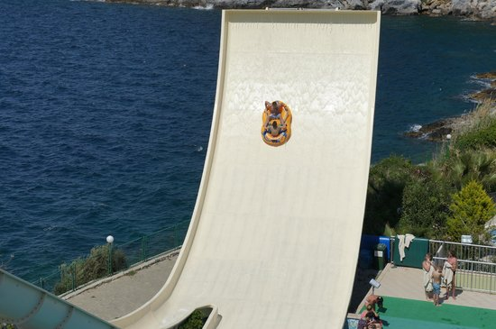 Pine Bay Holiday Resort: le toboggan