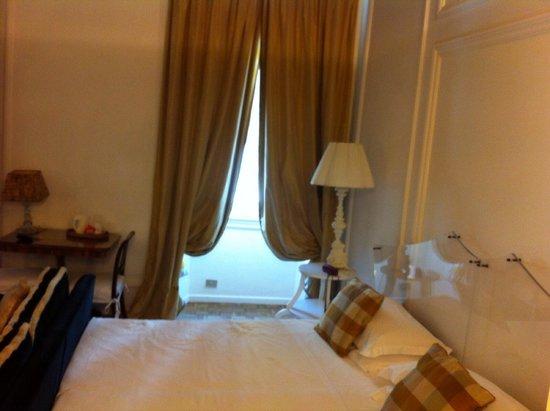 Casa Howard Guest House: Il letto comodisso e gigantesco