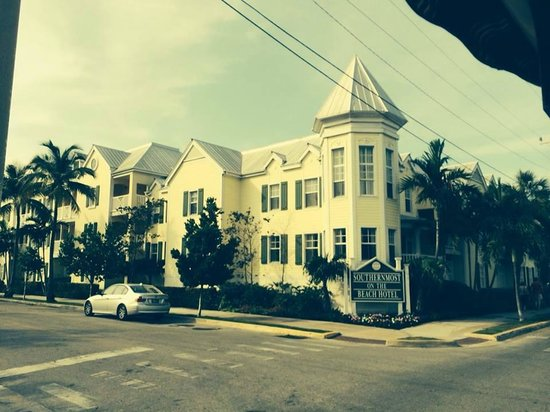 Old Town Trolley Tours Key West: Southermost Hotel