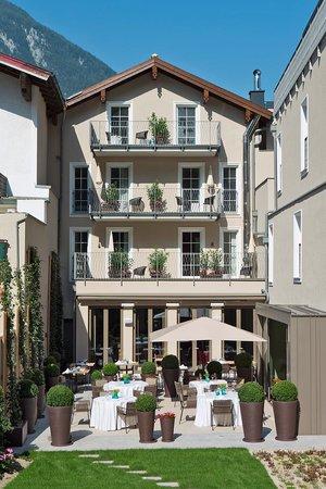 Dollerer's Genusswelten: Garten mit Terrasse