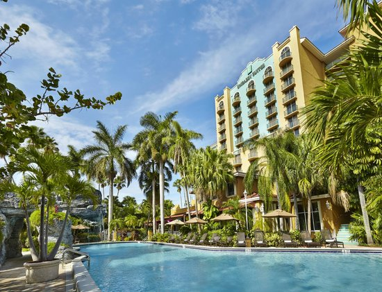 Embassy Suites by Hilton Fort Lauderdale 17th Street: Sunny Days at the Embassy Suites Fort Lauderdale