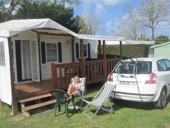 Camping Les Grosses Pierres : mobilhome