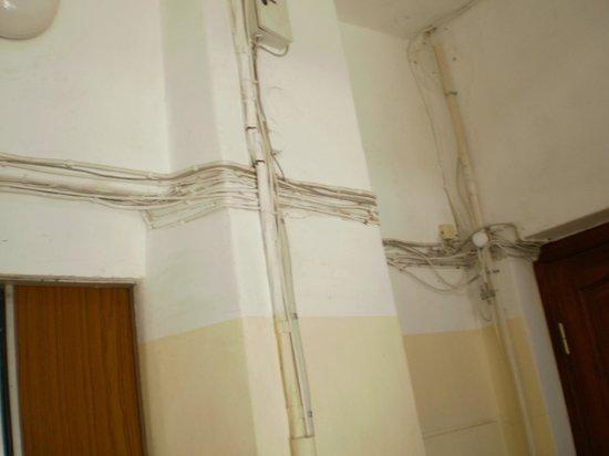 Classic Apartments: fili elettrici a vista