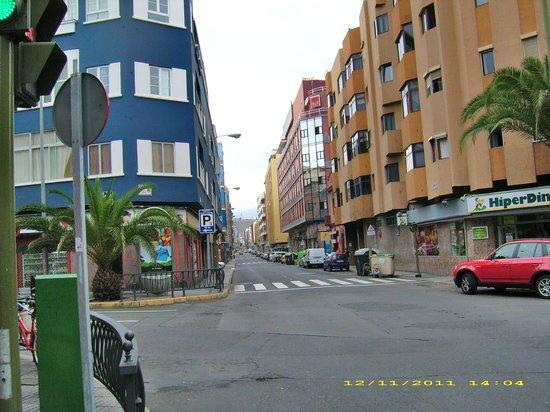 Astoria Hotel : Hotel direkt an einer belebten Verkehrsstraße
