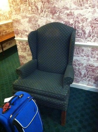 Publick House Historic Inn: Dirty arm chair