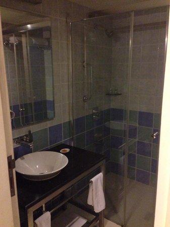 Noorya Hometel : The super clean bath