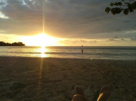 Couples Negril : Atardecer en la playa